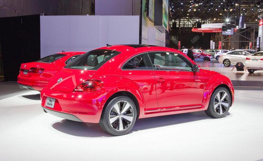 2012 Volkswagen Beetle - Slide 4