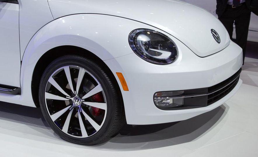 2012 Volkswagen Beetle - Slide 20