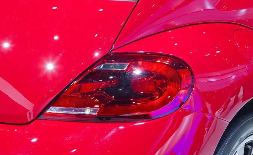 2012 Volkswagen Beetle - Slide 24