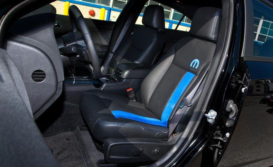 2011 Dodge Charger Mopar '11 - Slide 13