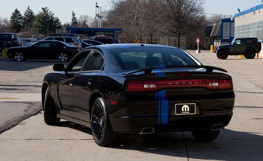 2011 Dodge Charger Mopar '11 - Slide 3