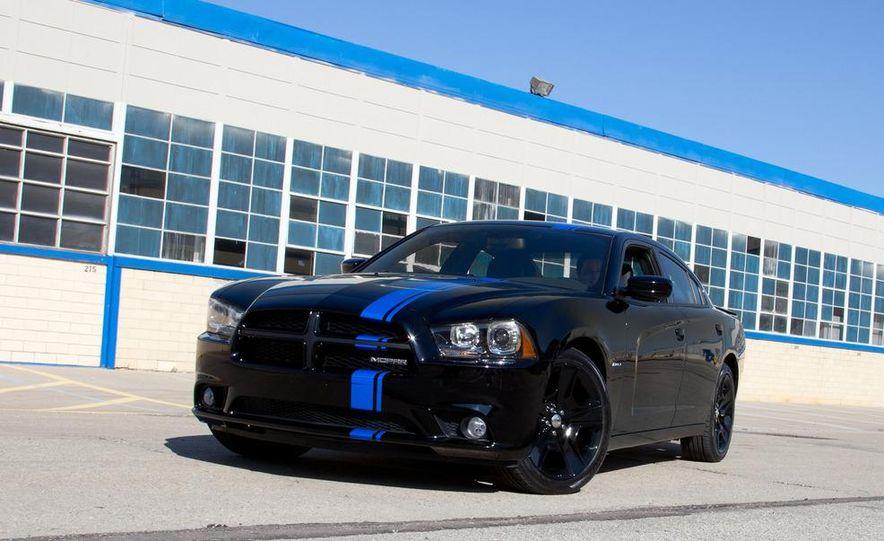 2011 Dodge Charger Mopar '11 - Slide 7