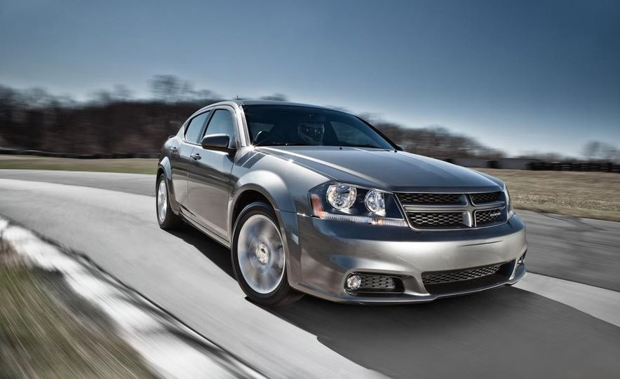 2012 Dodge Avenger R/T - Slide 17