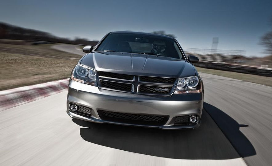2012 Dodge Avenger R/T - Slide 19
