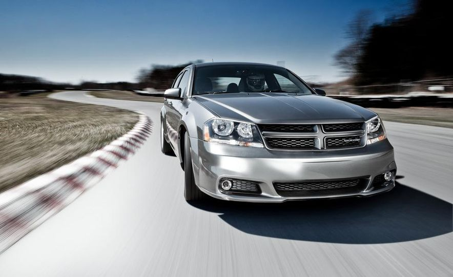 2012 Dodge Avenger R/T - Slide 20
