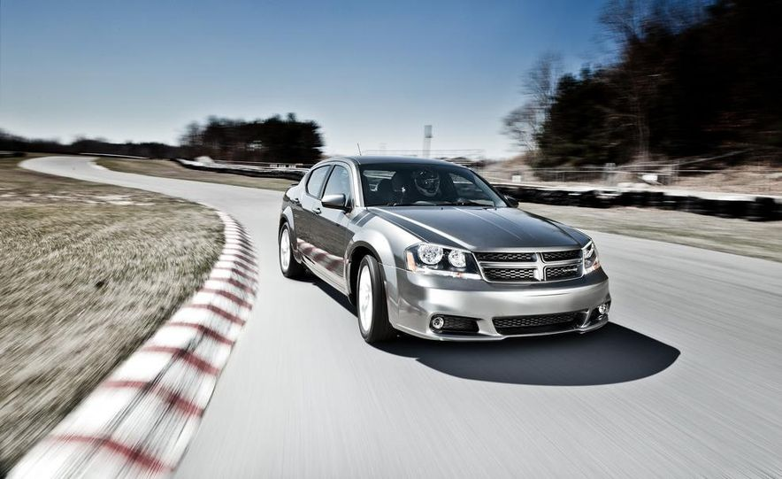 2012 Dodge Avenger R/T - Slide 21