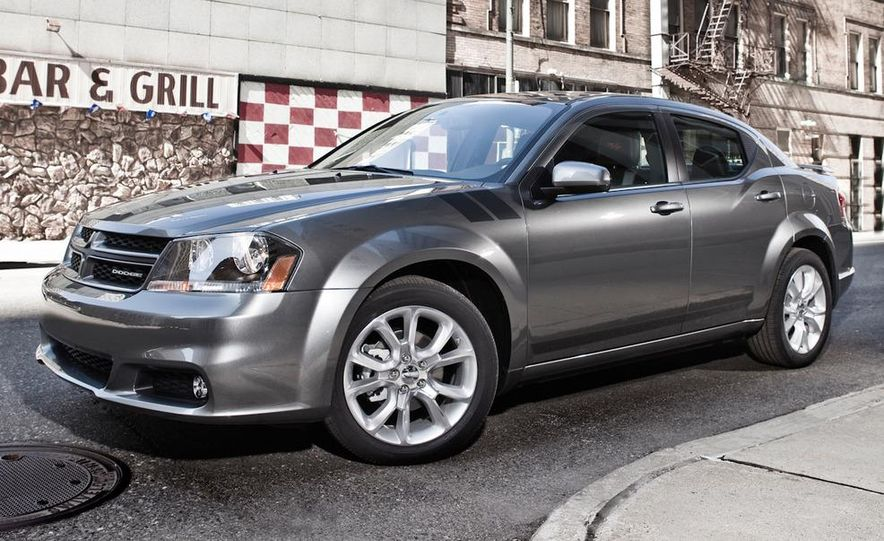 2012 Dodge Avenger R/T - Slide 25