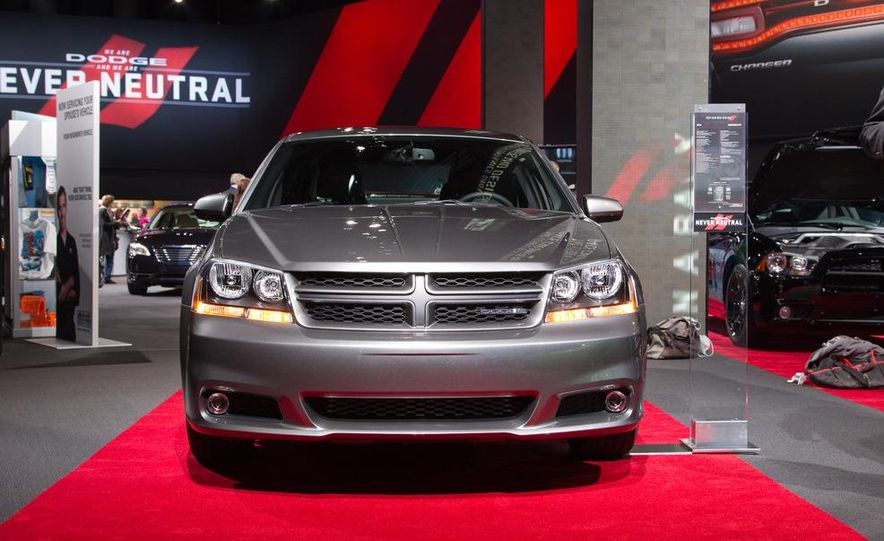 2012 Dodge Avenger R/T - Slide 9