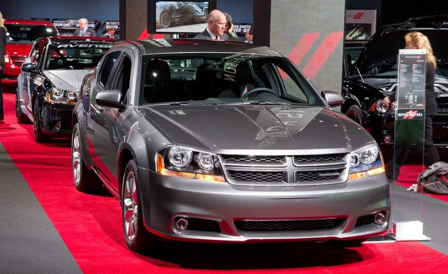 2012 Dodge Avenger R/T - Slide 1