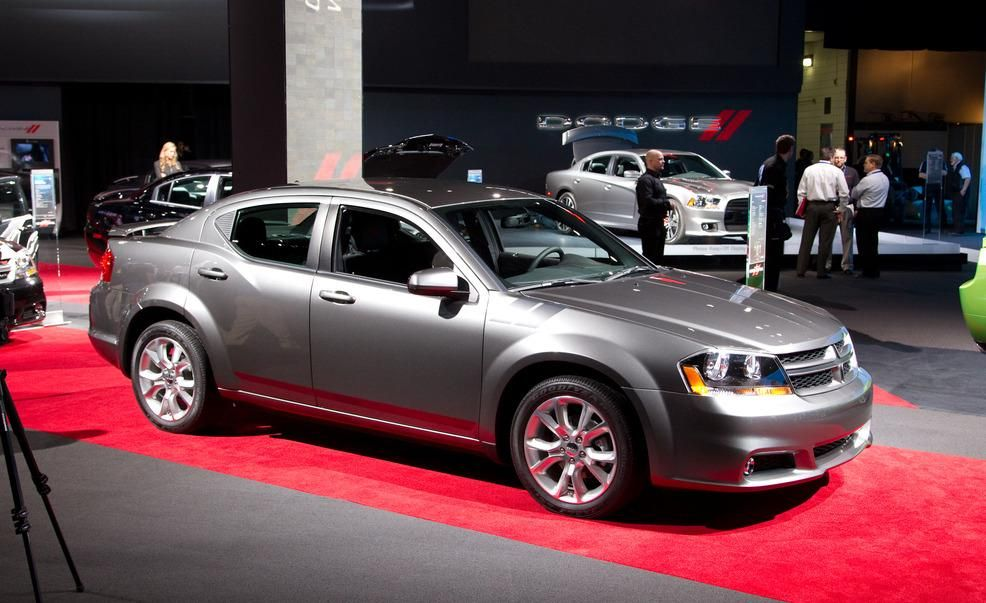 2017 Dodge Avenger R T Official Photos And Info