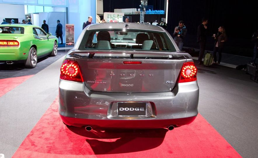 2012 Dodge Avenger R/T - Slide 7