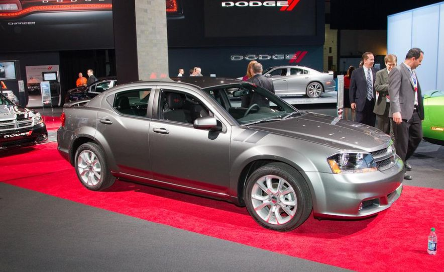 2012 Dodge Avenger R/T - Slide 4