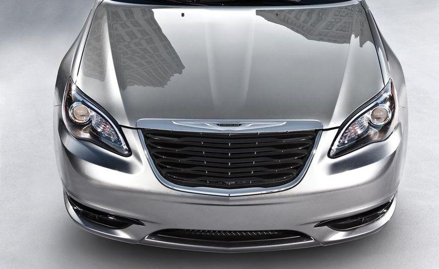 2011 Chrysler 200 S convertible and sedan - Slide 6