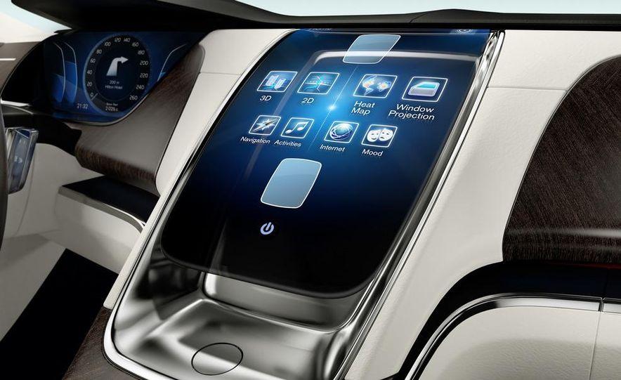 Volvo Concept Universe - Slide 11
