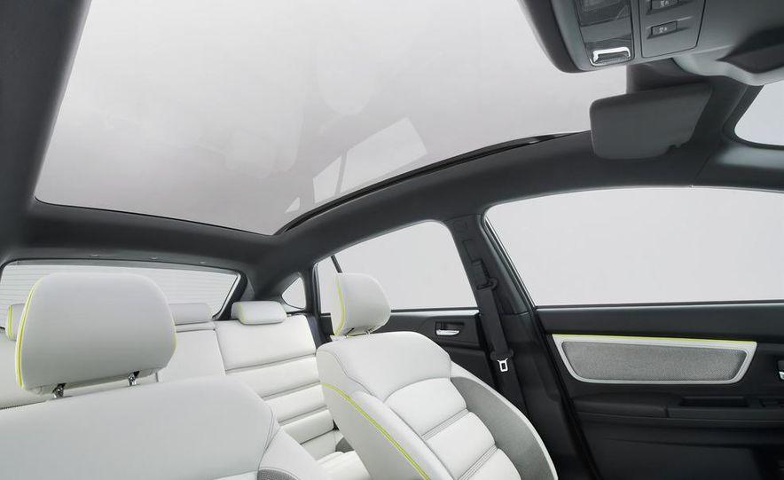 Subaru XV concept - Slide 16