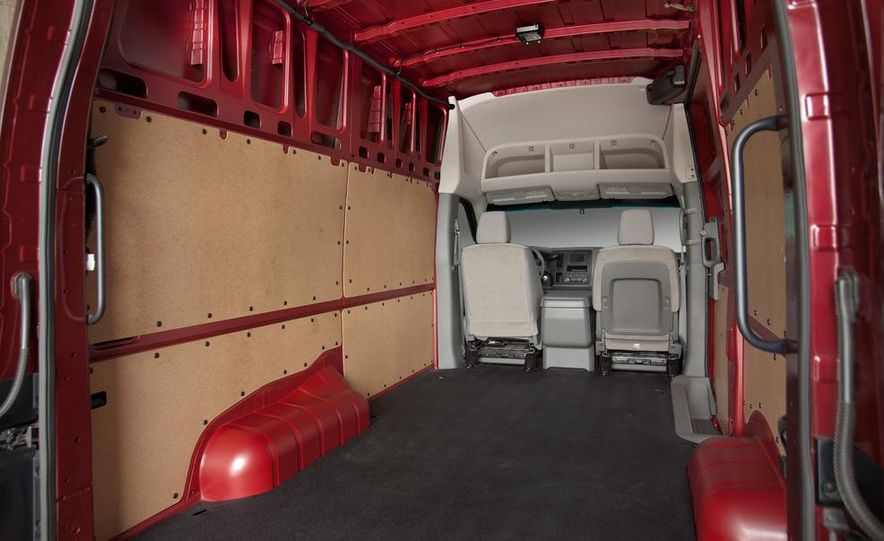 2012 Nissan NV2500 high roof SV - Slide 12