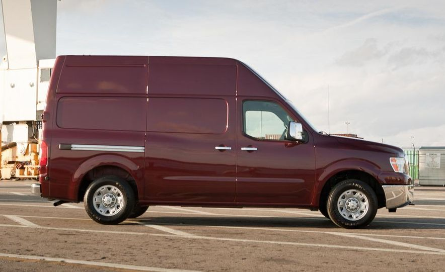 2012 Nissan NV2500 high roof SV - Slide 2