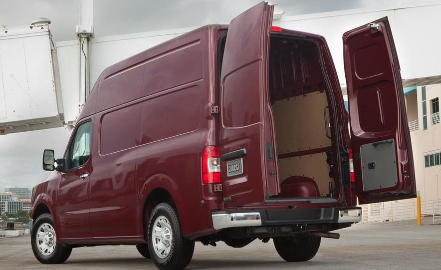 2012 Nissan NV2500 high roof SV - Slide 4