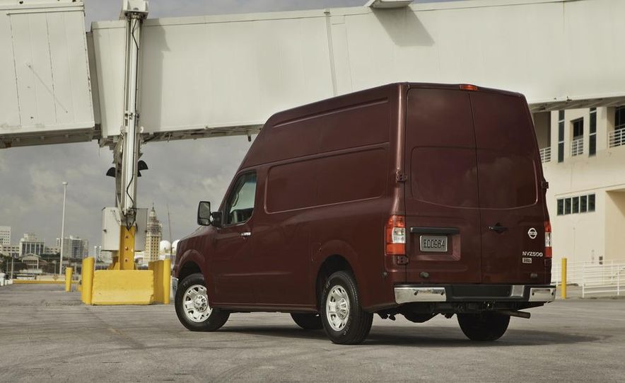 2012 Nissan NV2500 high roof SV - Slide 5