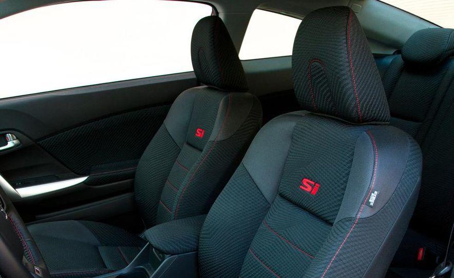 2012 Honda Civic Si sedan - Slide 25