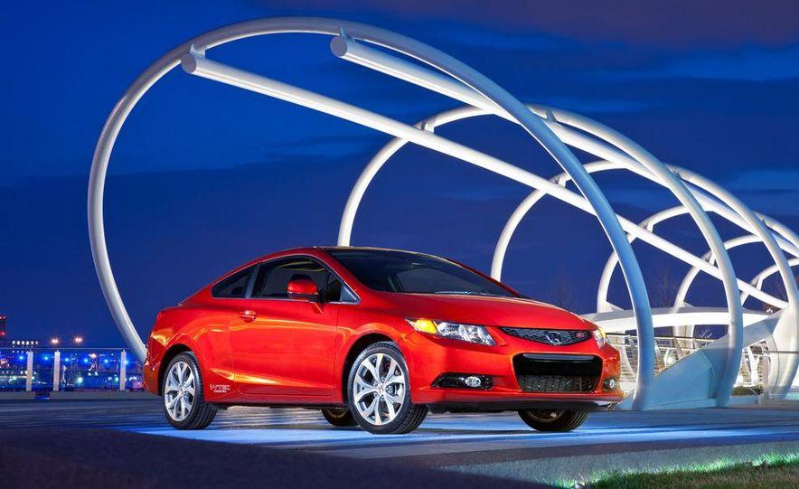 2012 Honda Civic Si sedan - Slide 3
