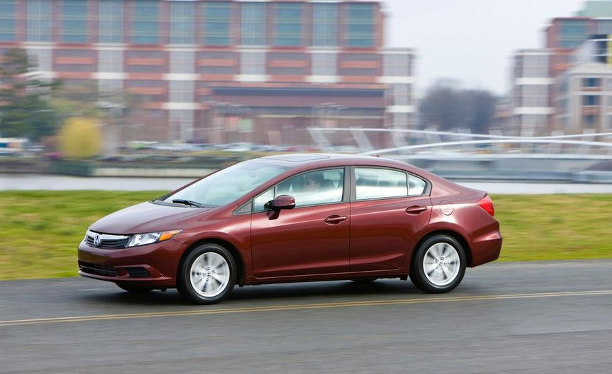 2012 Honda Civic EX-L sedan - Slide 2