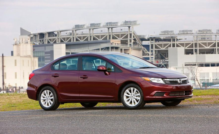 2012 Honda Civic EX-L sedan - Slide 3