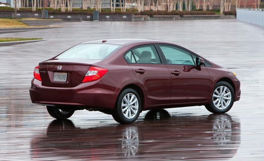 2012 Honda Civic EX-L sedan - Slide 6