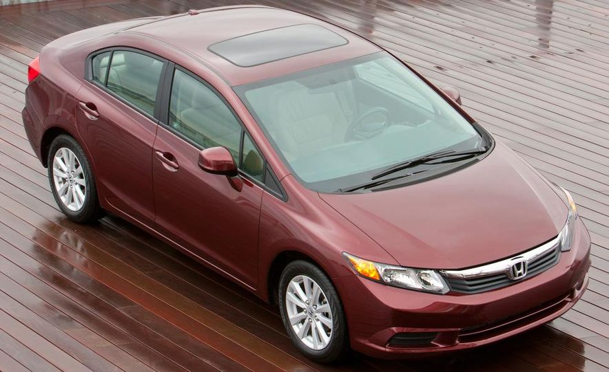 2012 Honda Civic EX-L sedan - Slide 7