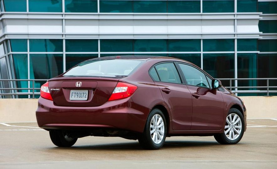 2012 Honda Civic EX-L sedan - Slide 9
