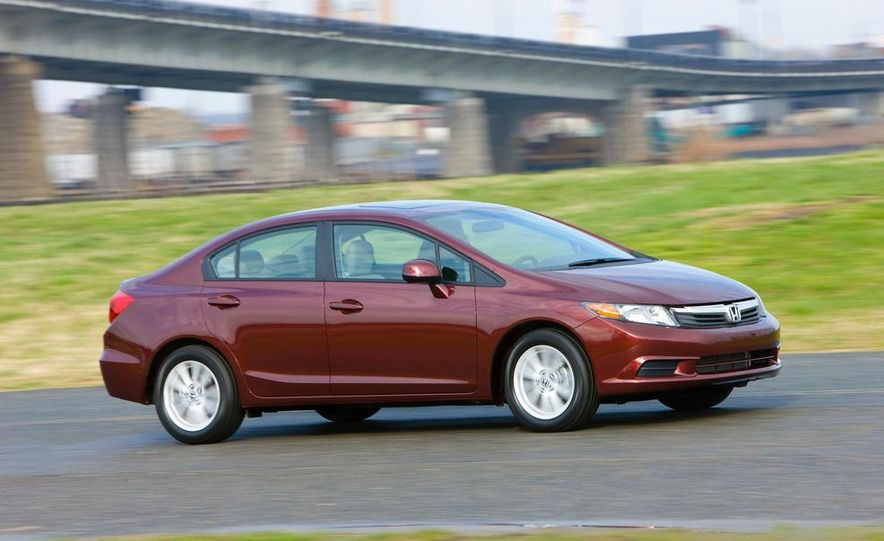 2012 Honda Civic EX-L sedan - Slide 10