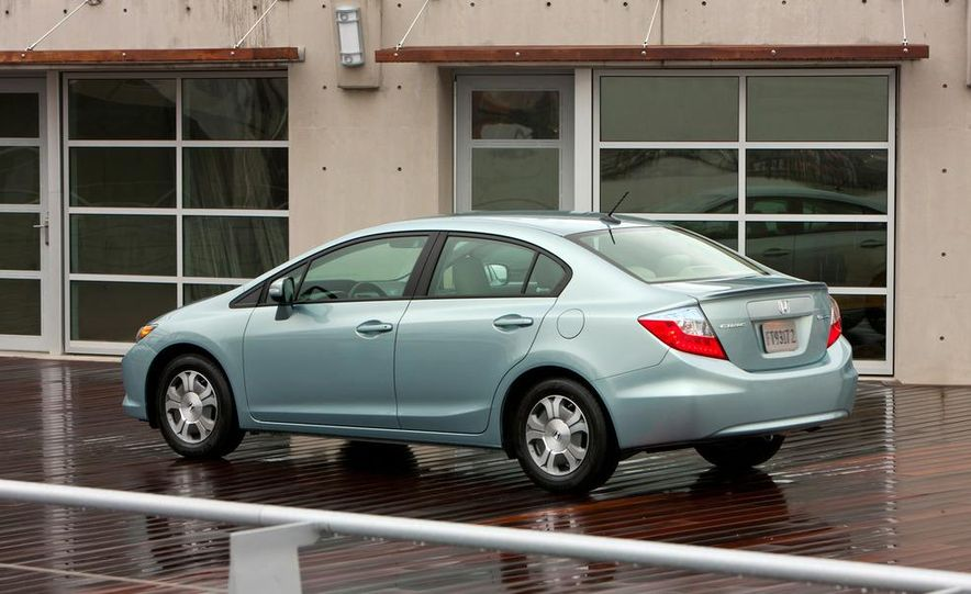 2012 Honda Civic EX-L sedan - Slide 40