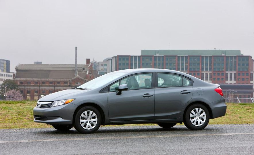 2012 Honda Civic EX-L sedan - Slide 26