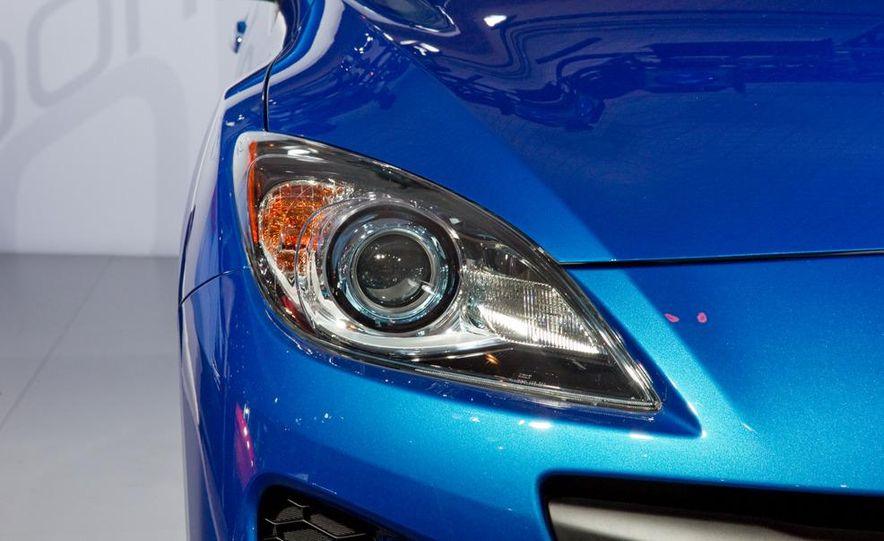 2012 Mazda 3 sedan - Slide 11