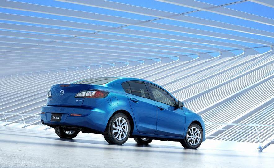 2012 Mazda 3 sedan - Slide 21