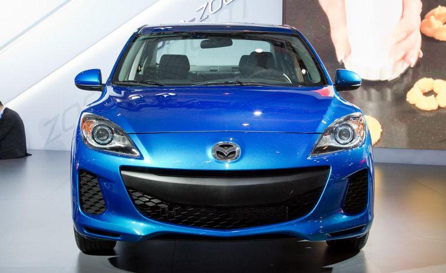 2012 Mazda 3 sedan - Slide 3