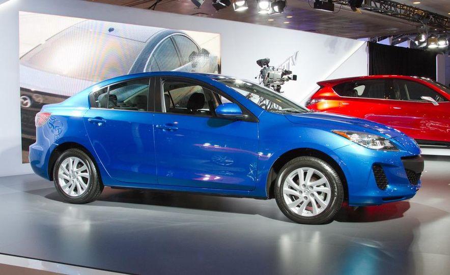 2012 Mazda 3 sedan - Slide 4