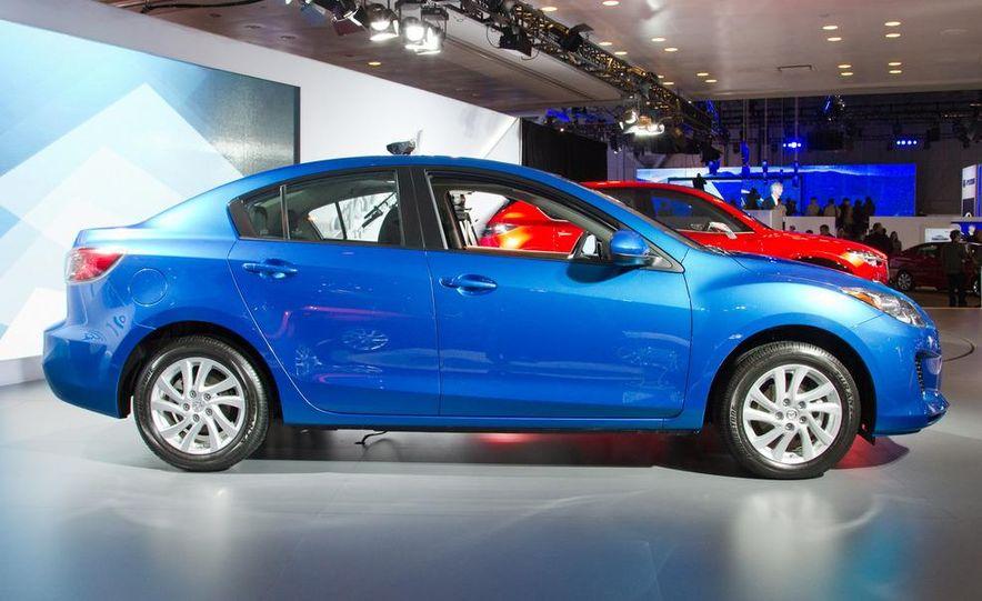 2012 Mazda 3 sedan - Slide 5