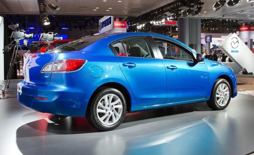 2012 Mazda 3 sedan - Slide 6