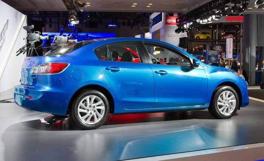 2012 Mazda 3 sedan - Slide 8