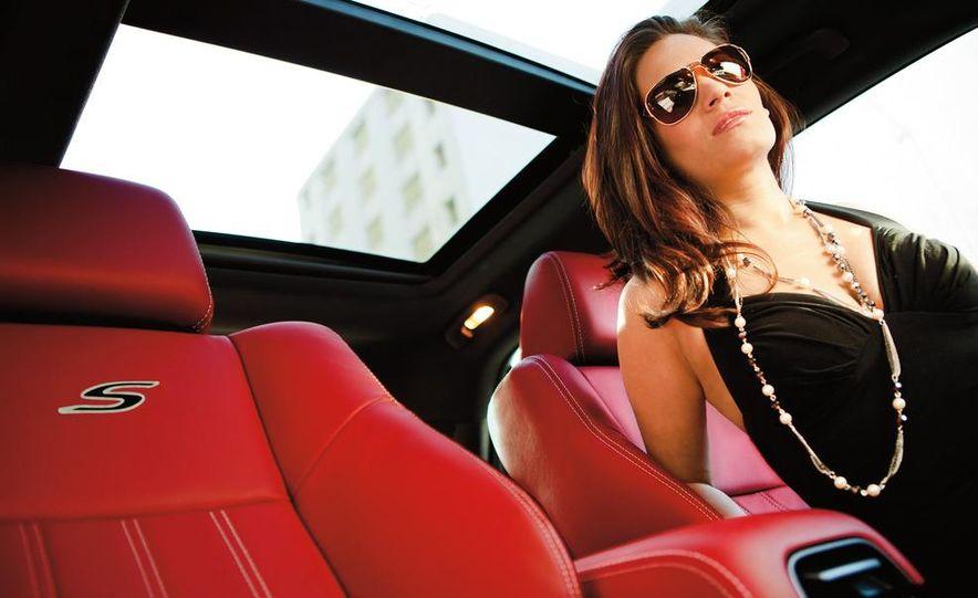 2012 Chrysler 300 S - Slide 26