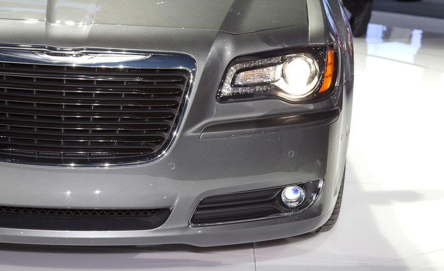 2012 Chrysler 300 S - Slide 13