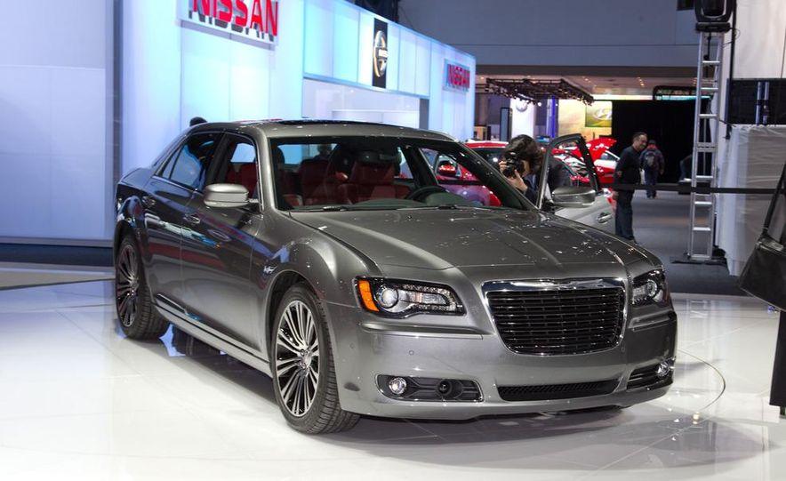 2012 Chrysler 300 S - Slide 7
