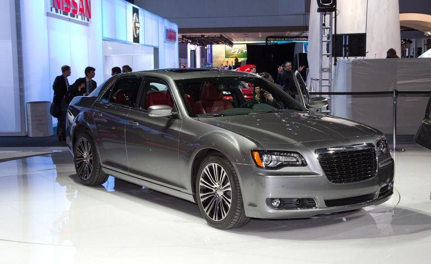 2012 Chrysler 300 S - Slide 8
