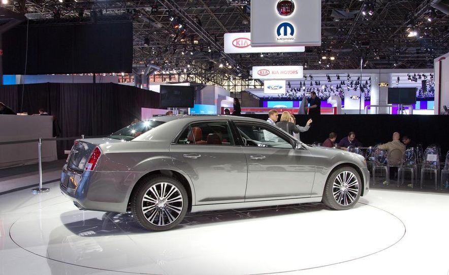 2012 Chrysler 300 S - Slide 10