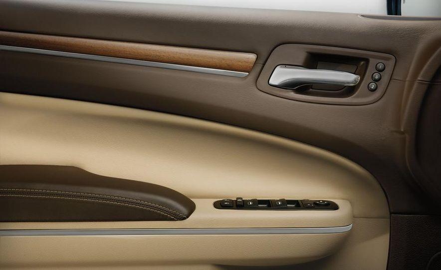 2012 Chrysler 300 S - Slide 27