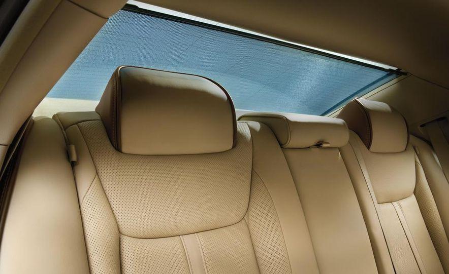 2012 Chrysler 300 S - Slide 29