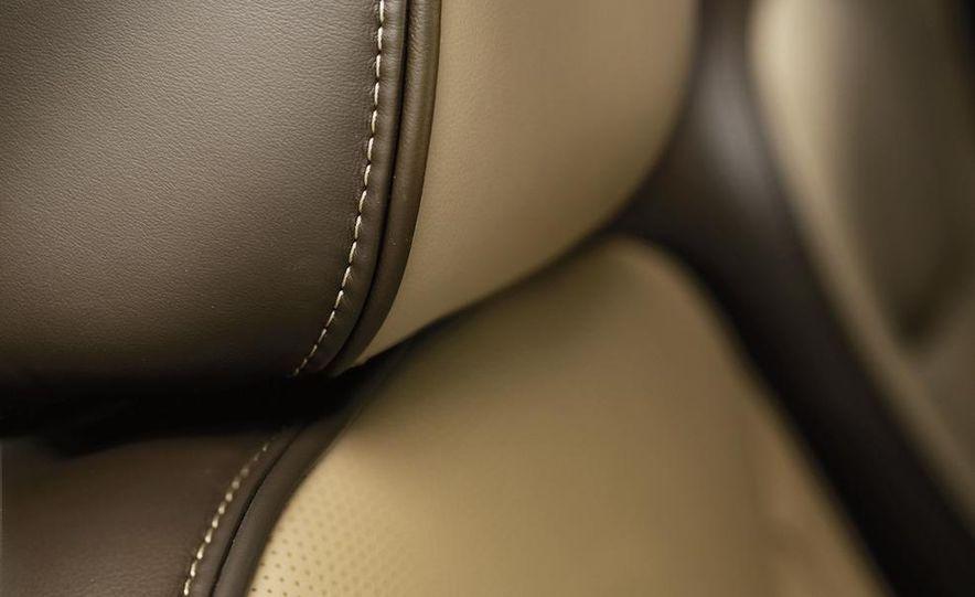 2012 Chrysler 300 S - Slide 33