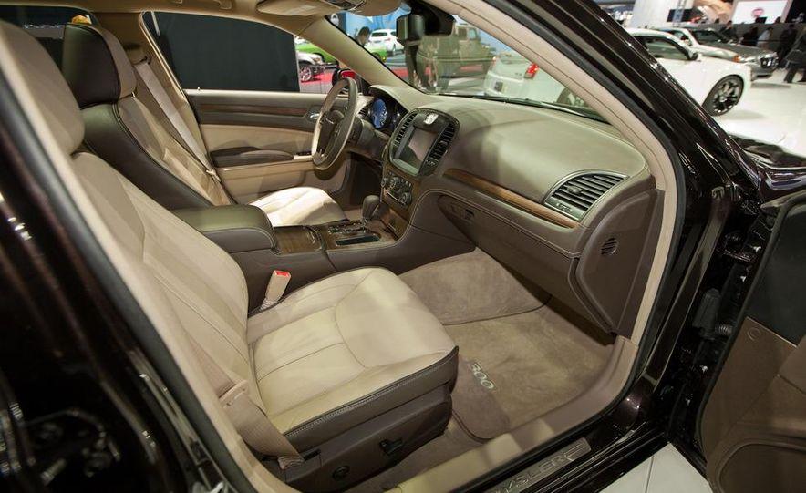 2012 Chrysler 300 S - Slide 23