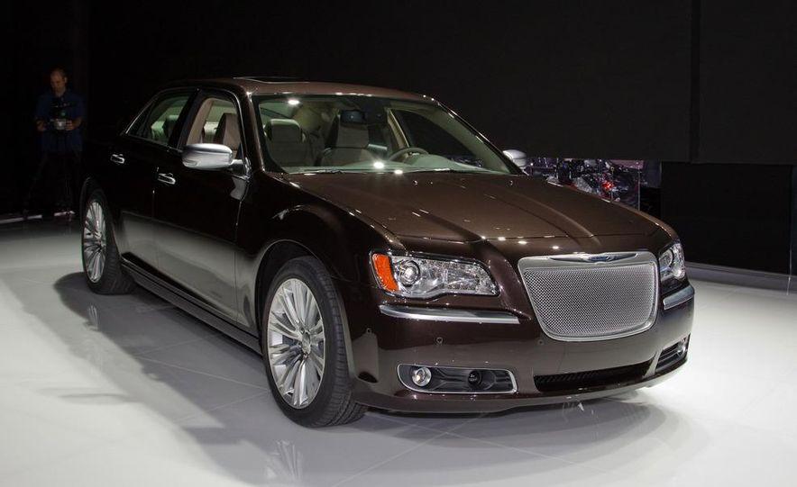 2012 Chrysler 300 S - Slide 16